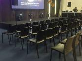 1_wypozyczalnia-czarnych-krzesel